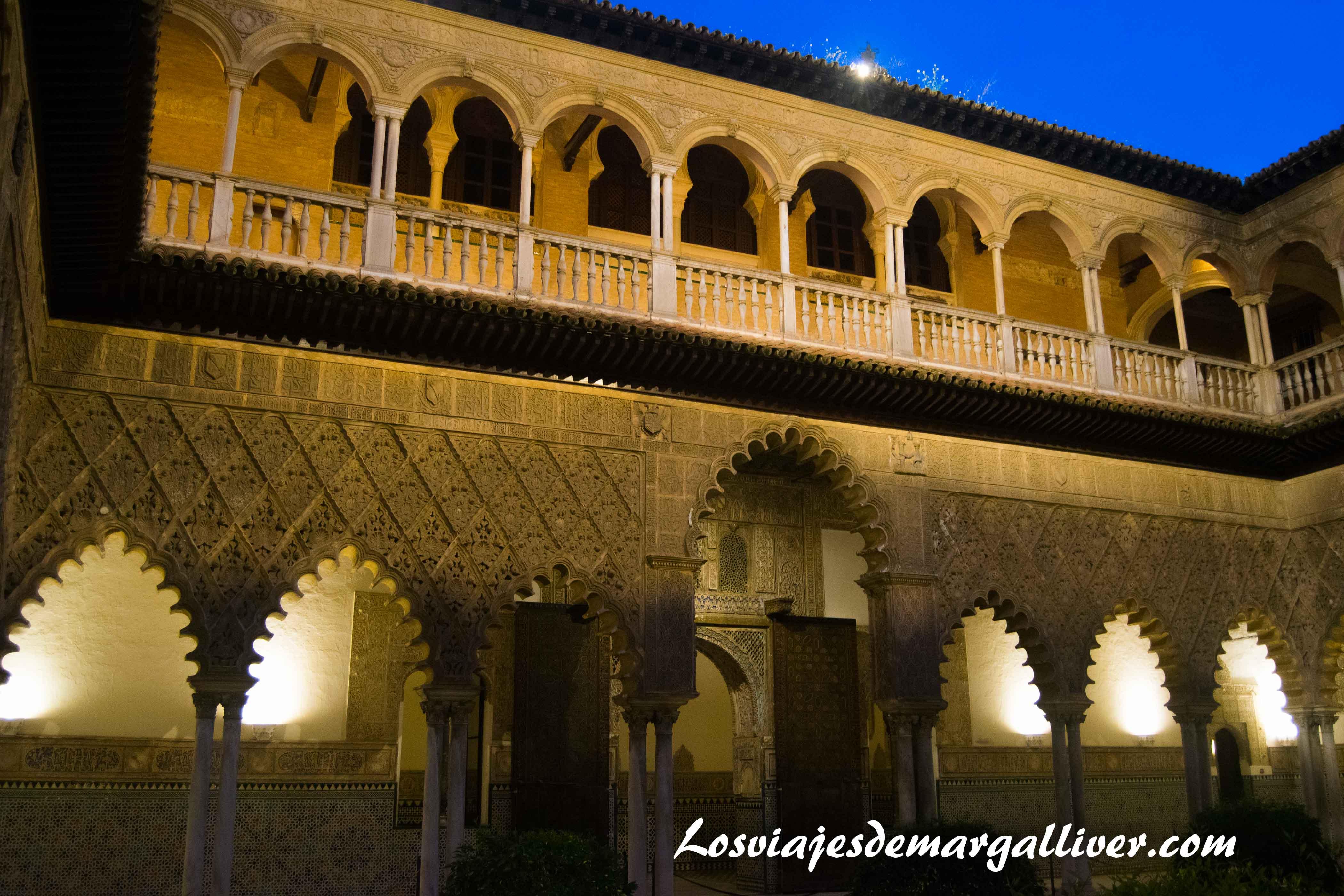 Patio del los reales alcazares de Sevilla en la ruta de juego de tronos - Los viajes de Margalliver